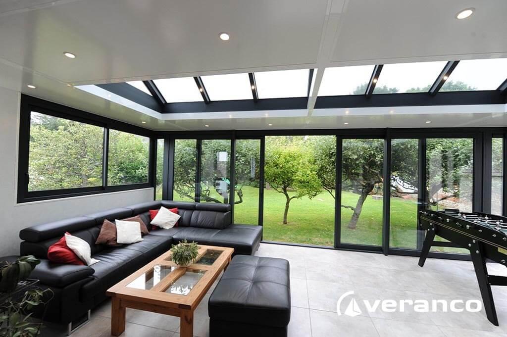 veranda salon. Black Bedroom Furniture Sets. Home Design Ideas